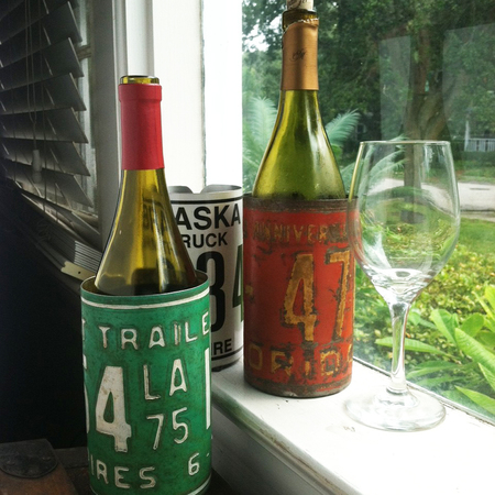License plate wine bottle holder