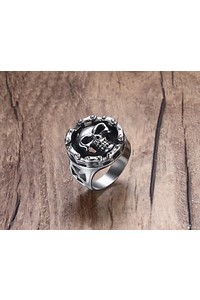 Riders on the storm big bold   heavy motorcycle chain skull ring front